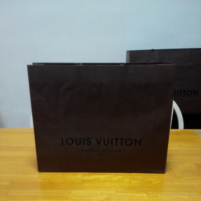 (RESERVED) LOUIS VUITTON Paper Bag