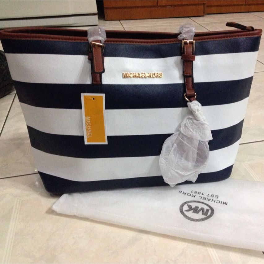 4d17f62152fd46 Michael Kors Striped Tote Bag, Women's Fashion on Carousell