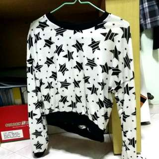 Cropped Star Long-sleeved