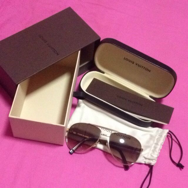 649b6d678a Authentic Louis Vuitton Sunglasses Attitude Pilote Gold Z0339U ( LV ...
