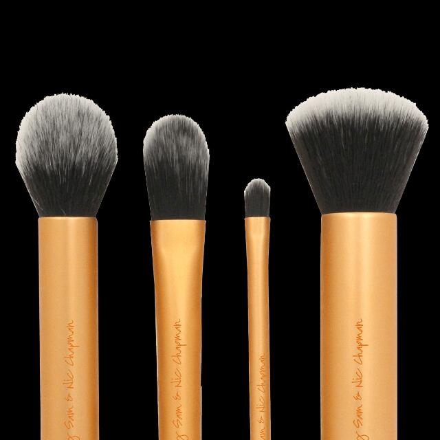 Real Techniques Dupe: Your Base/Flawless, Core Collection, 4 Makeup Brushes + Case BN