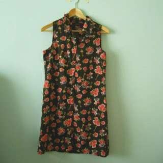 $6mailed Floral Top