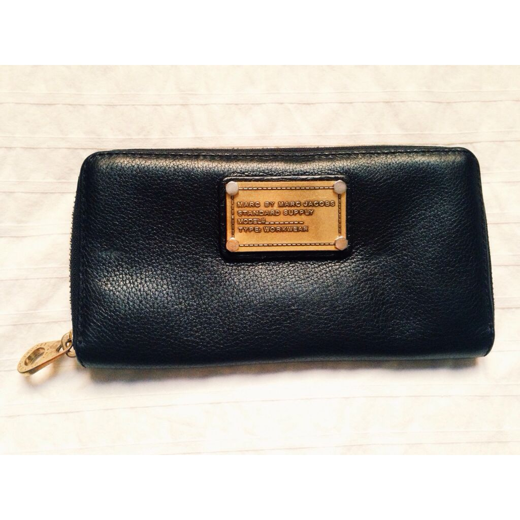 CLASSIC MARC BY MARC JACOBS WALLET (BLACK)