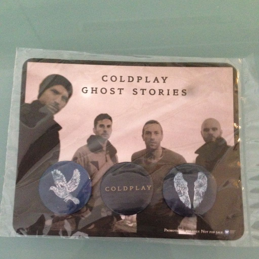 3 Badges Of Coldplay!!! Package Still Not Opened.