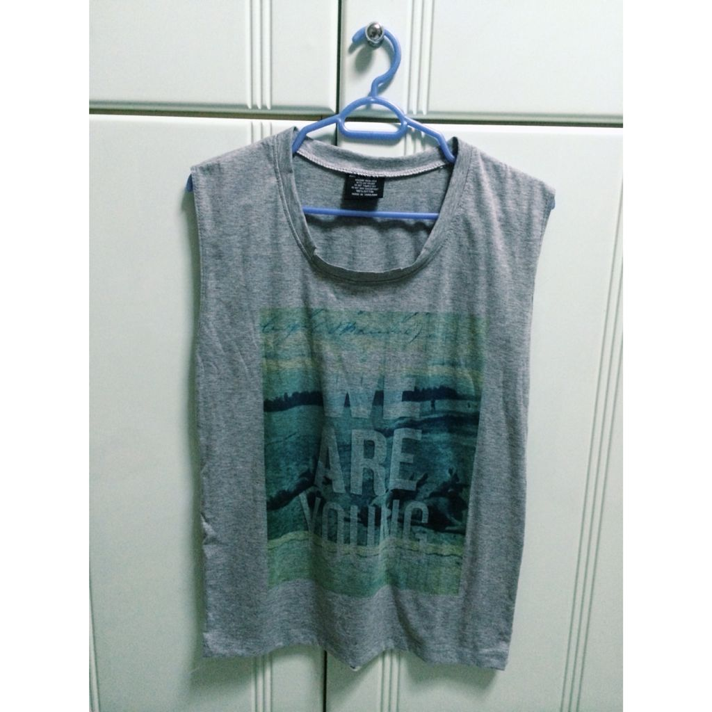 Casual Sleeveless Top (we are young)