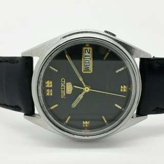 Seiko 5 Vintage Watch Black Dial Gold Markers