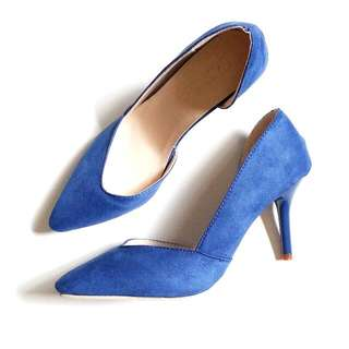 Brand New Blue Suede Pumps Size 38 - Fits 39