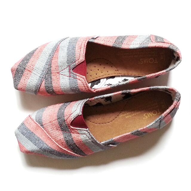 BN TOMS Casual Striped Loafers Women's Size 8
