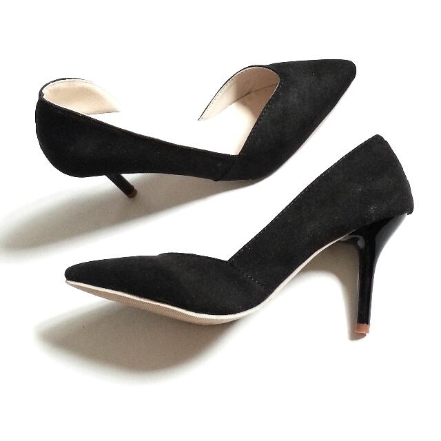 Brand New Black Suede Pumps Size 38 - Fits 39