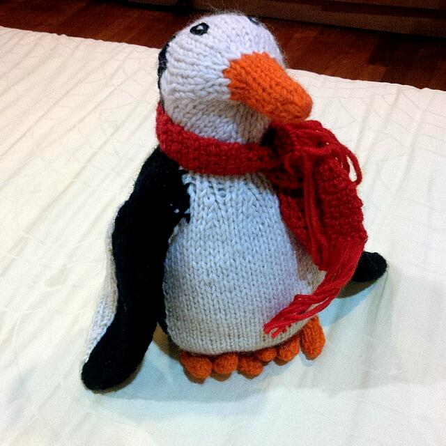 10inch penguin knitted soft toy stuffed