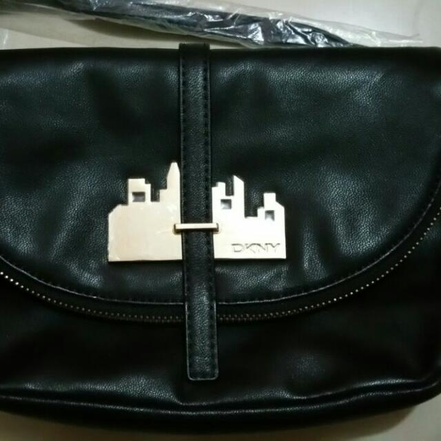 BN Authentic DKNY Sling Bag