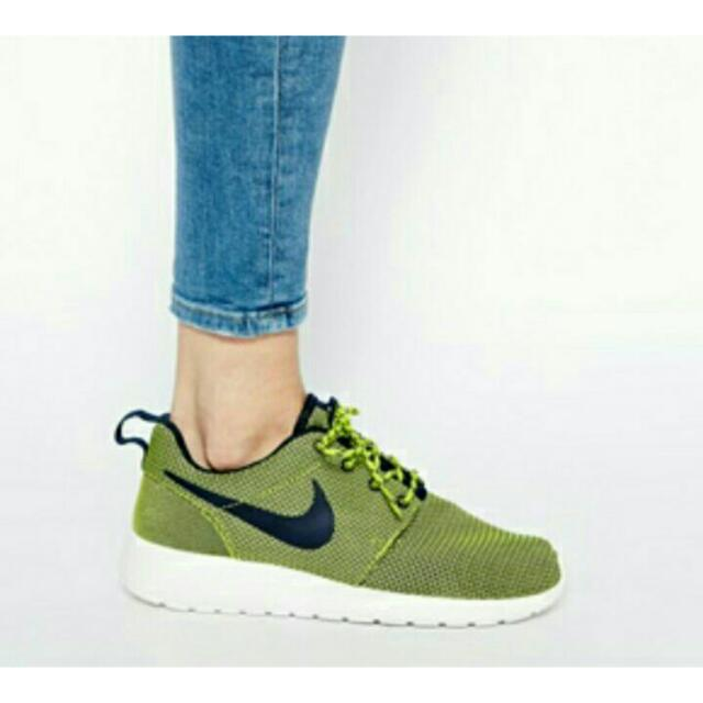 Authentic Nike Roshe Run (PRICE REDUCED
