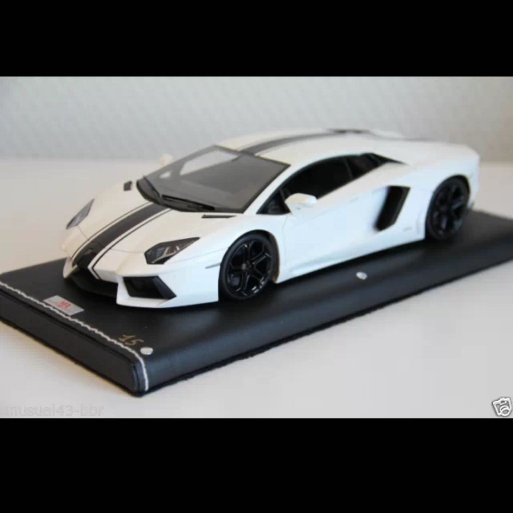 Mr 1 18 Lamborghini Aventador Lp700 Pearl White With Black Stripe
