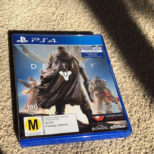 [PS4] Destiny - Vanguard Armoury Edition
