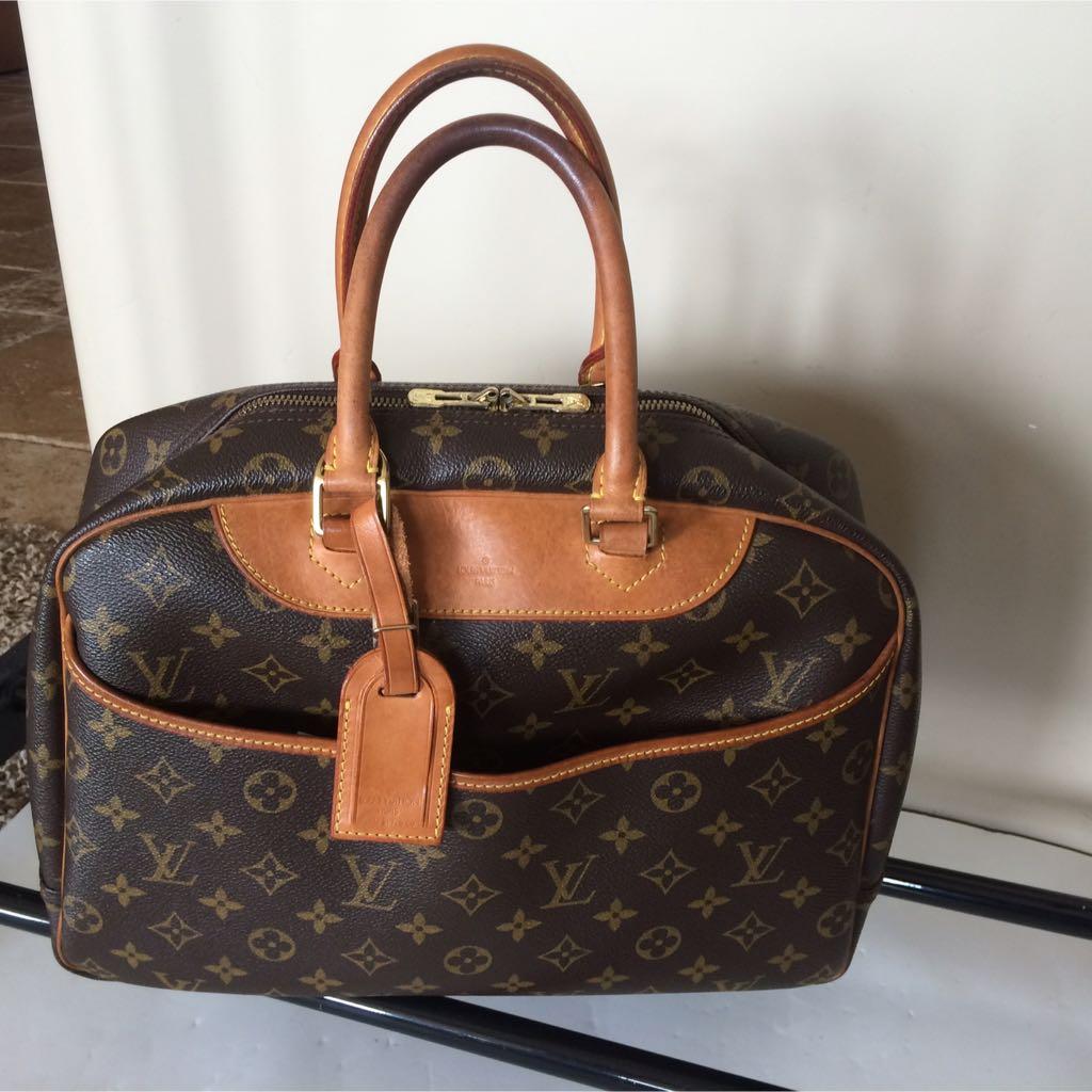 Authentic Louis Vuitton Monogram Deauville Hand Bag