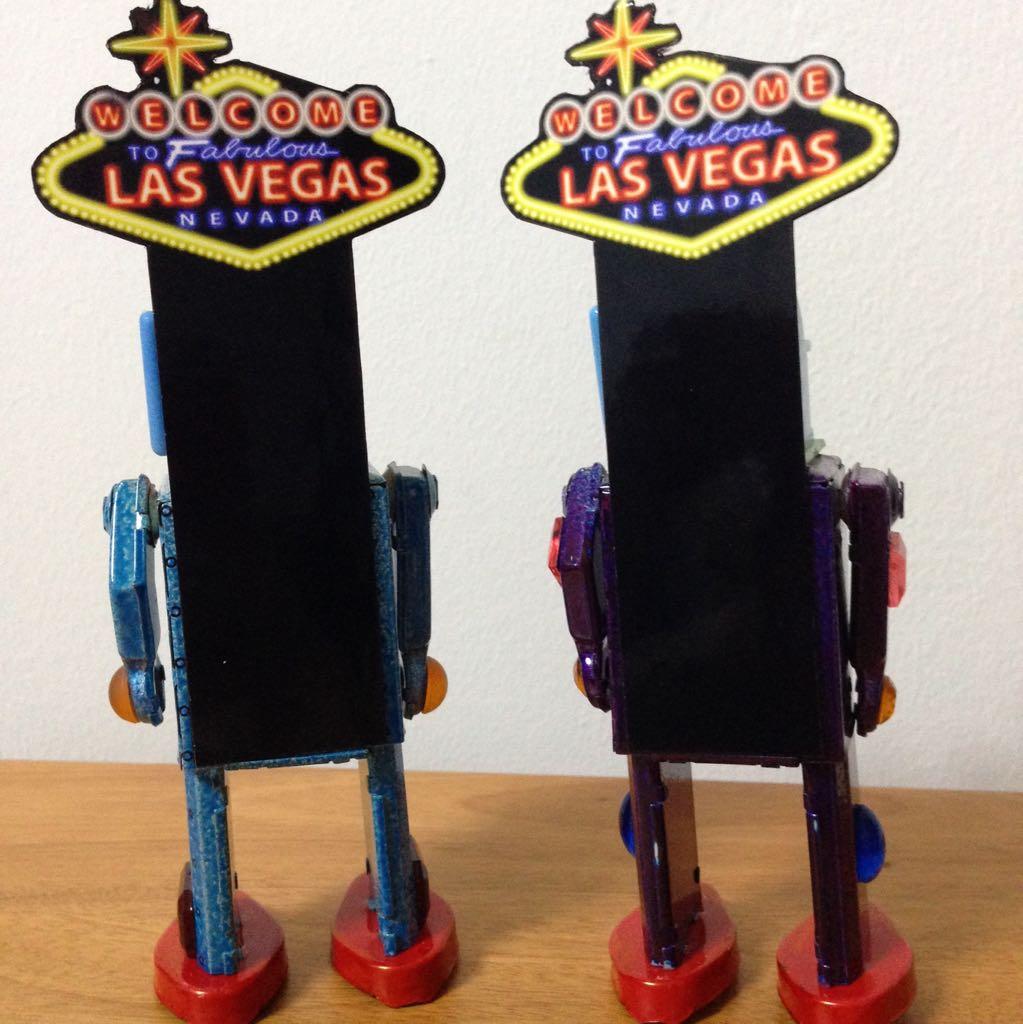 Wind Up Slot head Las Vegas Tin Robots