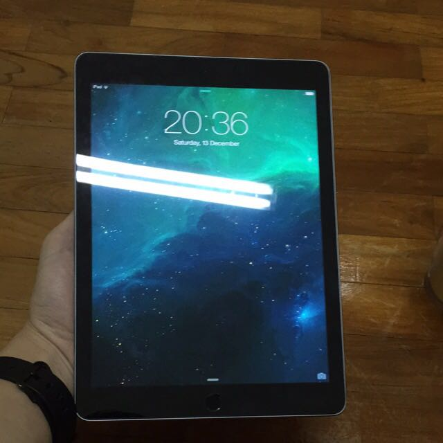 Like New Ipad Air 2 16gb Wifi Gray