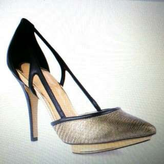 LOOKING FOR charles Keith Shoes Pump Heels