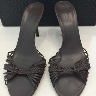 $90 Nett. Gucci Leather Woven Mules , Used, Sz 39.5C, Was $890 Now $150 Nett, No Trade, Only Dustbag