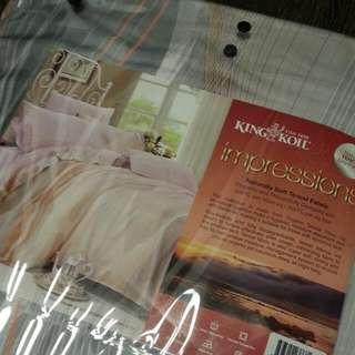 King Koil Tencel King Size Bedsheet Set BNIB