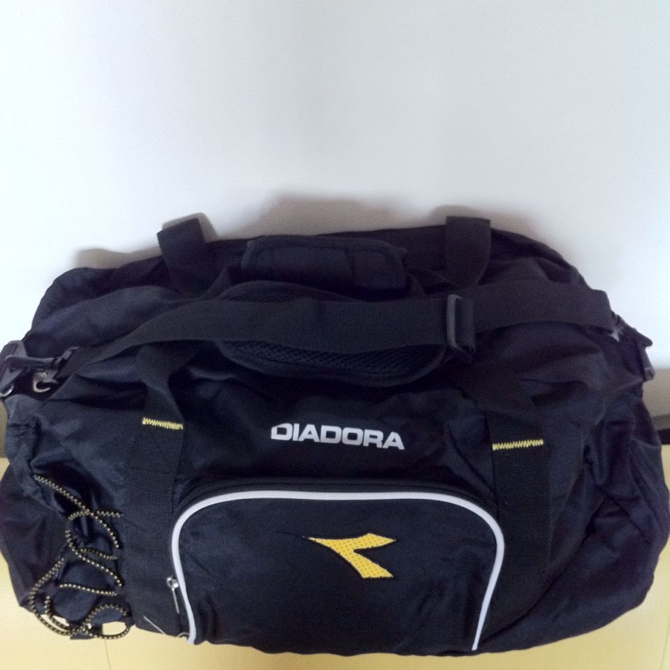 3124c374 Diadora Gym Bag