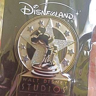 Walt Disney/Disneyland Collector Pin (PENDING)