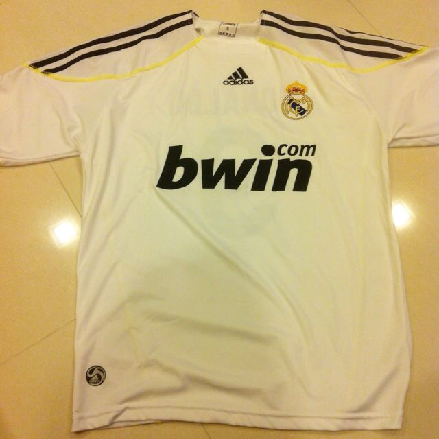 buy popular 5ab56 97675 Real Madrid Replica Jersey CR9