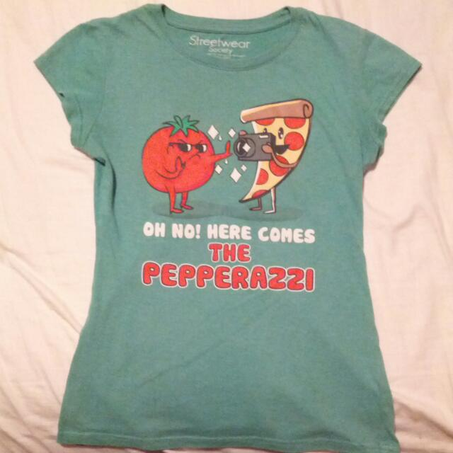 """""""OH NO HERE COMES THE PEPPERAZZI"""" TEE"""
