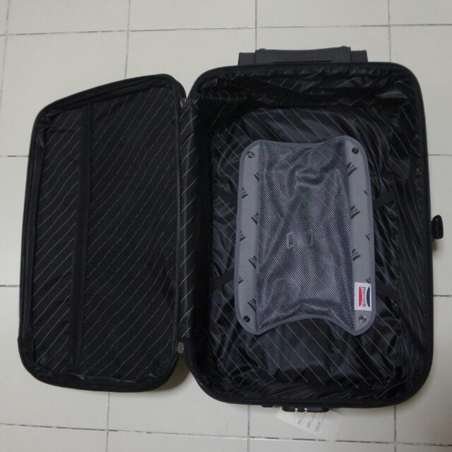 64f5f555f18d BRAND NEW Polo Victory Luggage Bag Size 24
