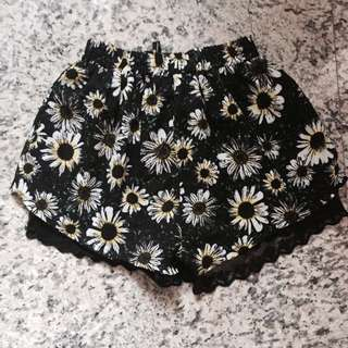 Floral Stretchy Laced Shorts