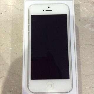 iPhone 5 64gb (spoilt)