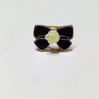 BN Black And White Rose Ribbon Ring