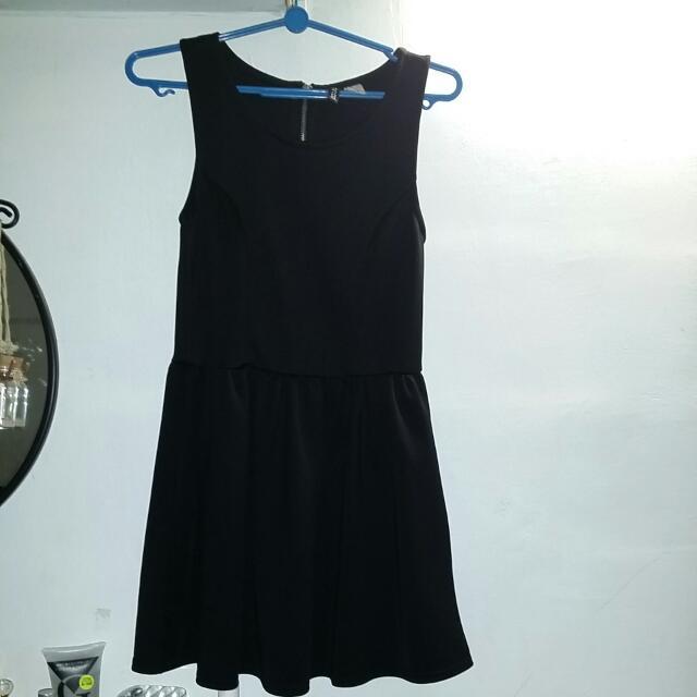 a5fad3f71d0e H M Black Skater Dress With Silver Back Zipper