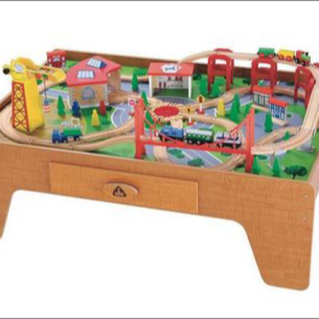 ELC Big City Wooden Train Table Thomas, Babies & Kids on Carousell