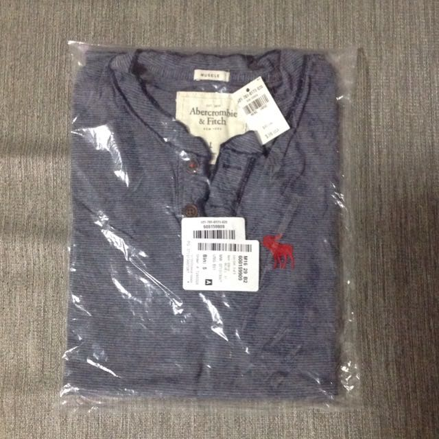 5239910c [BNWT] A&F Abercrombie And Fitch Men Henley Tee T-Shirt Muscle Fit, Men's  Fashion on Carousell