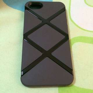 (RESERVED) Unused Switcheasy Case For iPhone 5/5s