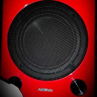 Bookshelf Epoz AKTIMATE Mini + Active Speakers