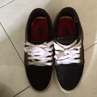 Used Authentic Vans Shoe