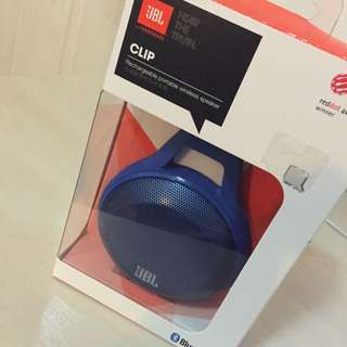 JBL Clip portable Bluetooth speaker with mic (blue)