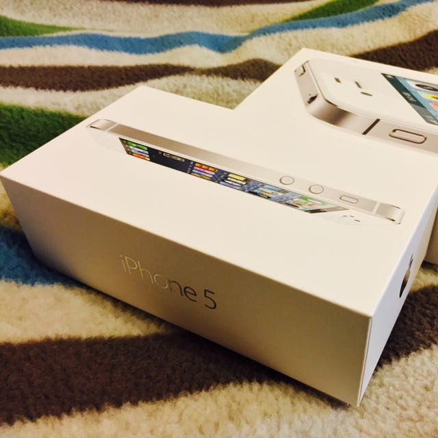 iPhone5白色32G   &iPhone4s白色32G