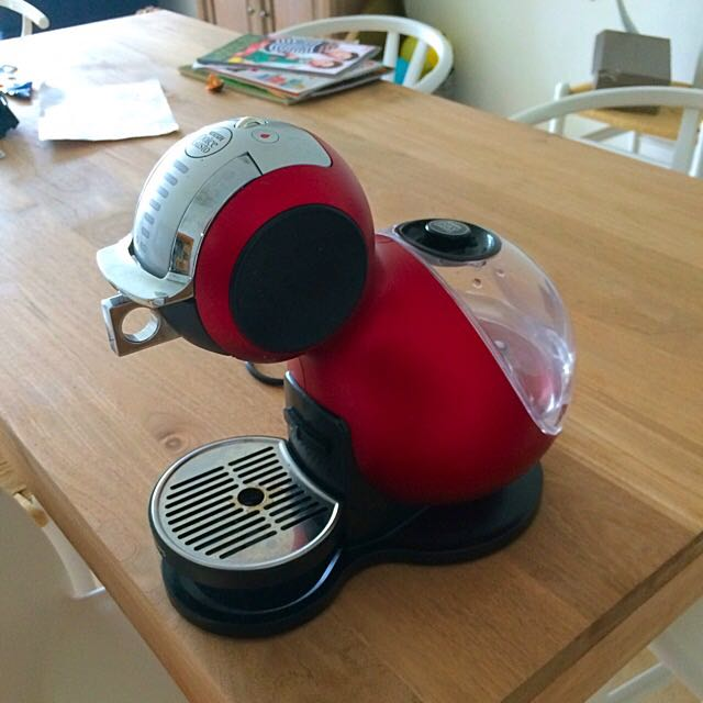 LOW PRICE. NesCafe Dolce Gusto Melody Automatic Red