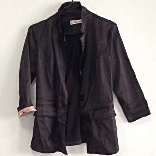 3/4 Sleeve Black Blazer. Size XS. Collect At Pasir Ris Mrt Station No Trade.