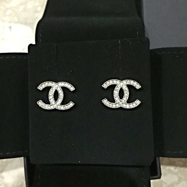 chanel earrings price further price reduction brand new in box chanel cc logo 1206