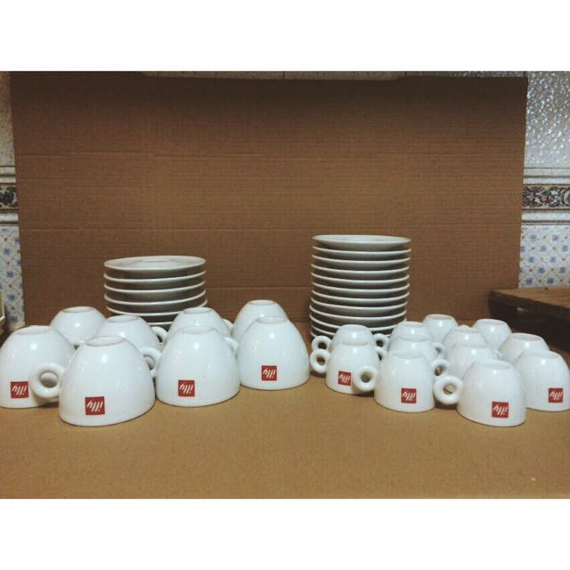 ILLY coffee / tea cups, saucers