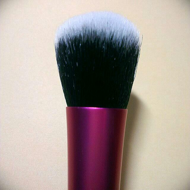REAL TECHNIQUES Dupe: Dome Shaped Brush BN