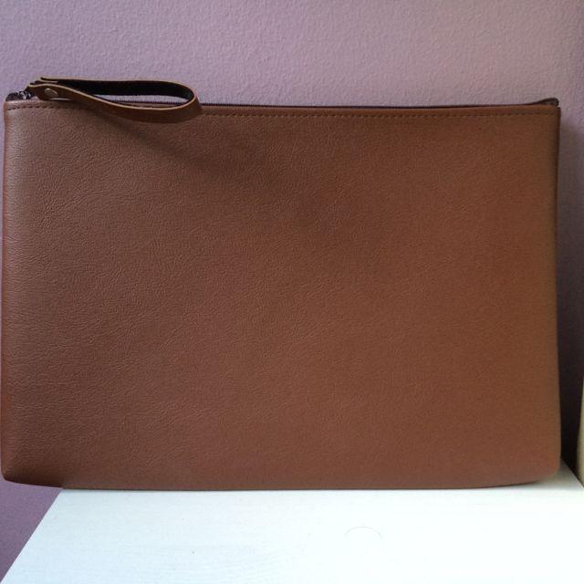 (pending) Brown Faux Leather Laptop Case