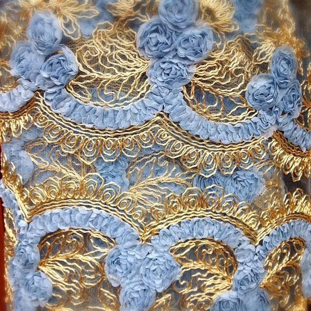 Flowery Blue Tule