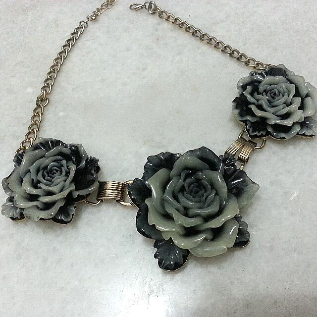 Looking For Ceramic Porcelain Rose Necklace