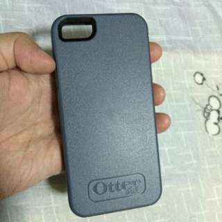 Used Otterbox Symmetry iPhone 5/5s