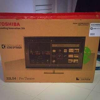 Few Weeks Old Toshiba 32 Inch LED TV 32L5400VE